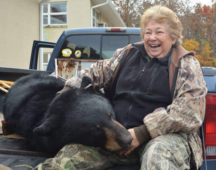 Bonnie Kelley shoots Maryland black bear