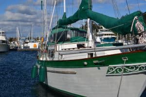 Eolian DE45 ketch-rigged model