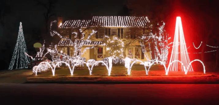 Phil Hoesch Christmas light display