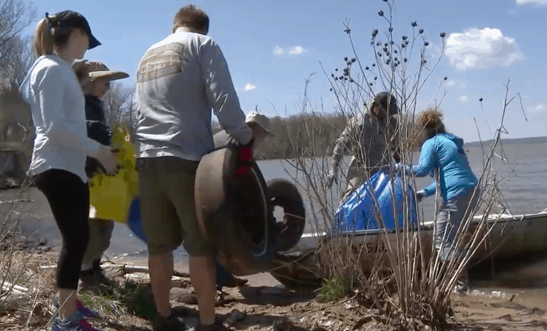 Potomac River Clean Up Day at Mallows Bay