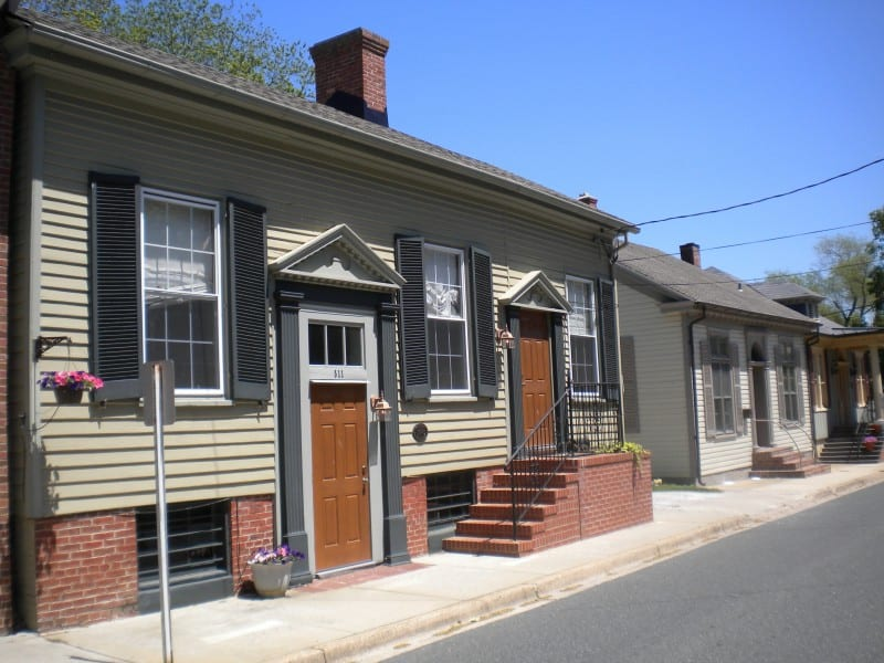 Lawyer's row next to Dorchester County courthouse, now restored historic homes