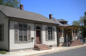 Historic homes next to Dorchester County courthouse