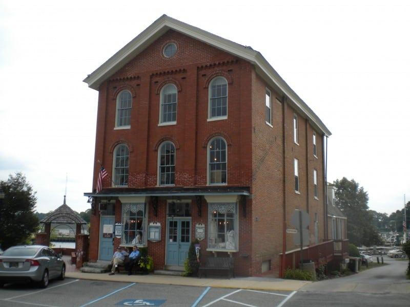 Former merchantile, now  a boutique