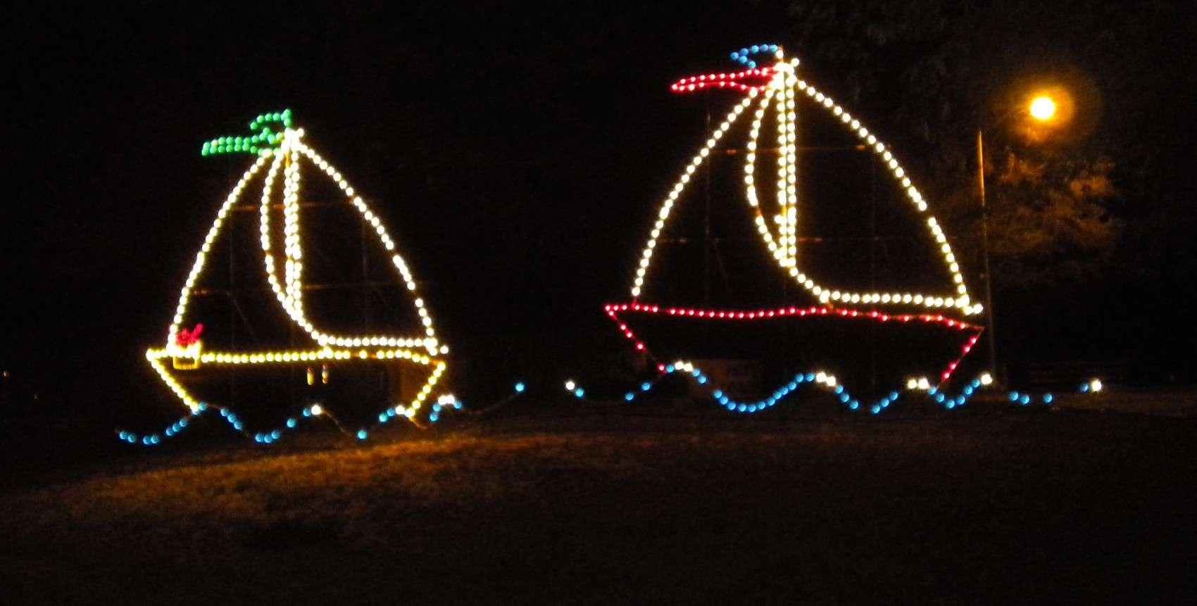 Christmas Light Displays.7 Amazing Christmas Holiday Light Displays