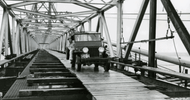 1st car to cross the Chesapeake Bay Bridge in 1952