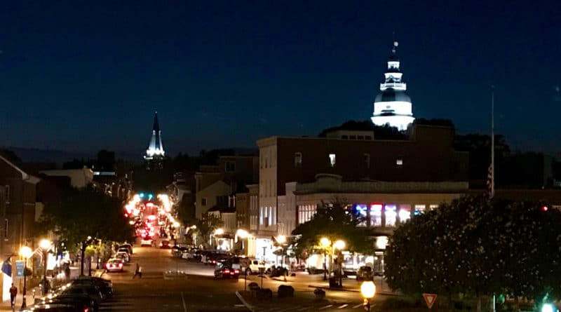 Main Street in Annapolis at night