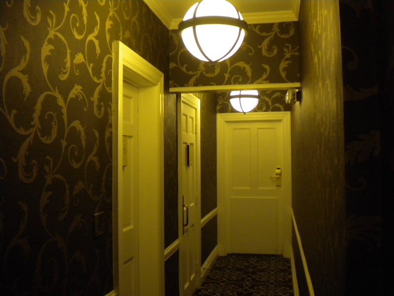 Ladies room hallway in the Maryland Inn, Annapolis lis