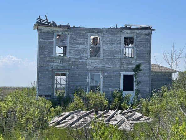 Smith Island abandoned home